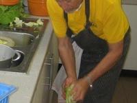 de groentjes worden gewassen en gesneden en gaan zo rechtstreeks op het bord